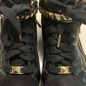 Michael Kors Shoes - Michael Kors Sneakers 🖤